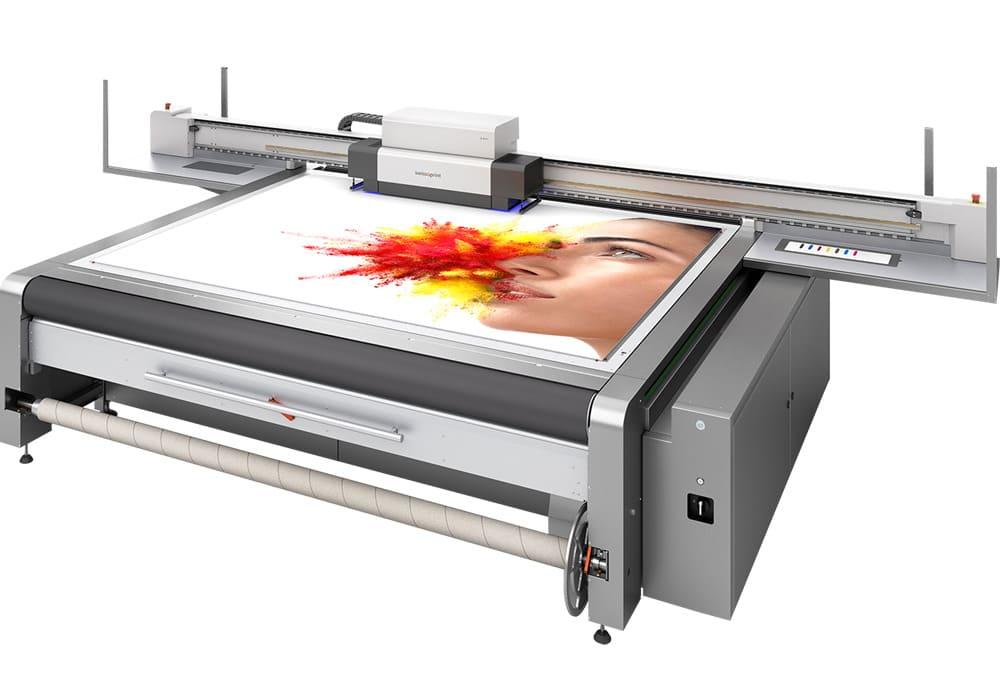 Oryx 3 LED de swissQprint : l'imprimante grand format dédiée aux petits volumes