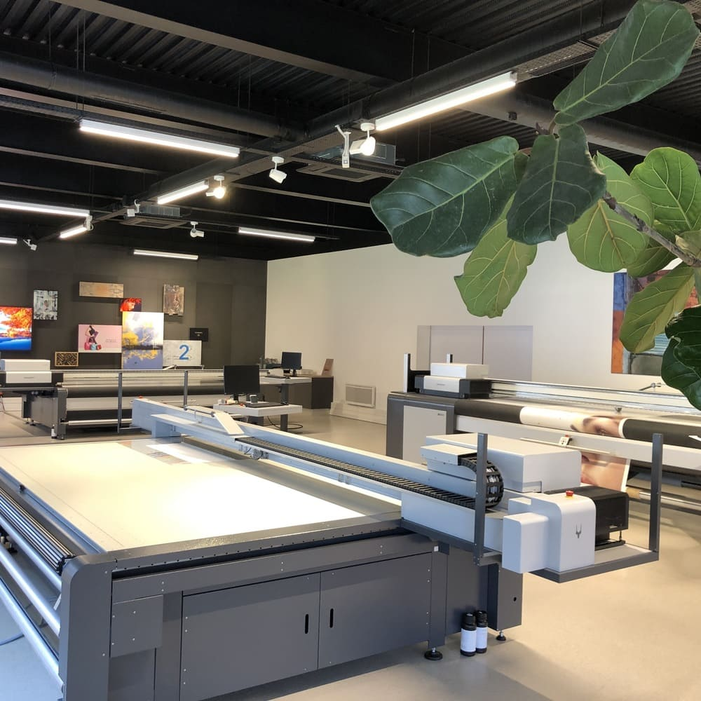 https://swissqprint.fr/wp-content/uploads/2020/05/swissqprint-showroom-2000x1500-2.jpg